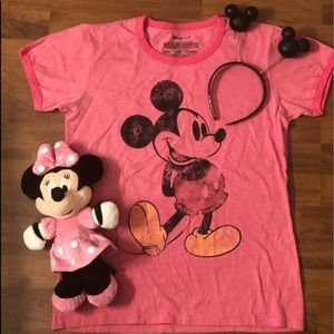 Minnie and Mickey Mouse Graphic T-shirt bundle